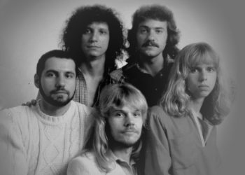 """The members of Styx, after Tommy Shaw joined the band, are shown in a 1970s promotional photo, clockwise from far left: Chuck Panozzo, John Panozzo, Dennis DeYoung, Shaw and James """"JY"""" Young."""