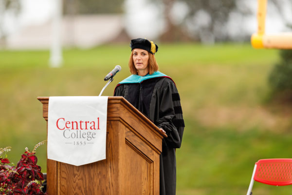 Kelly Gorsche Markey '88 served as the Commencement speaker